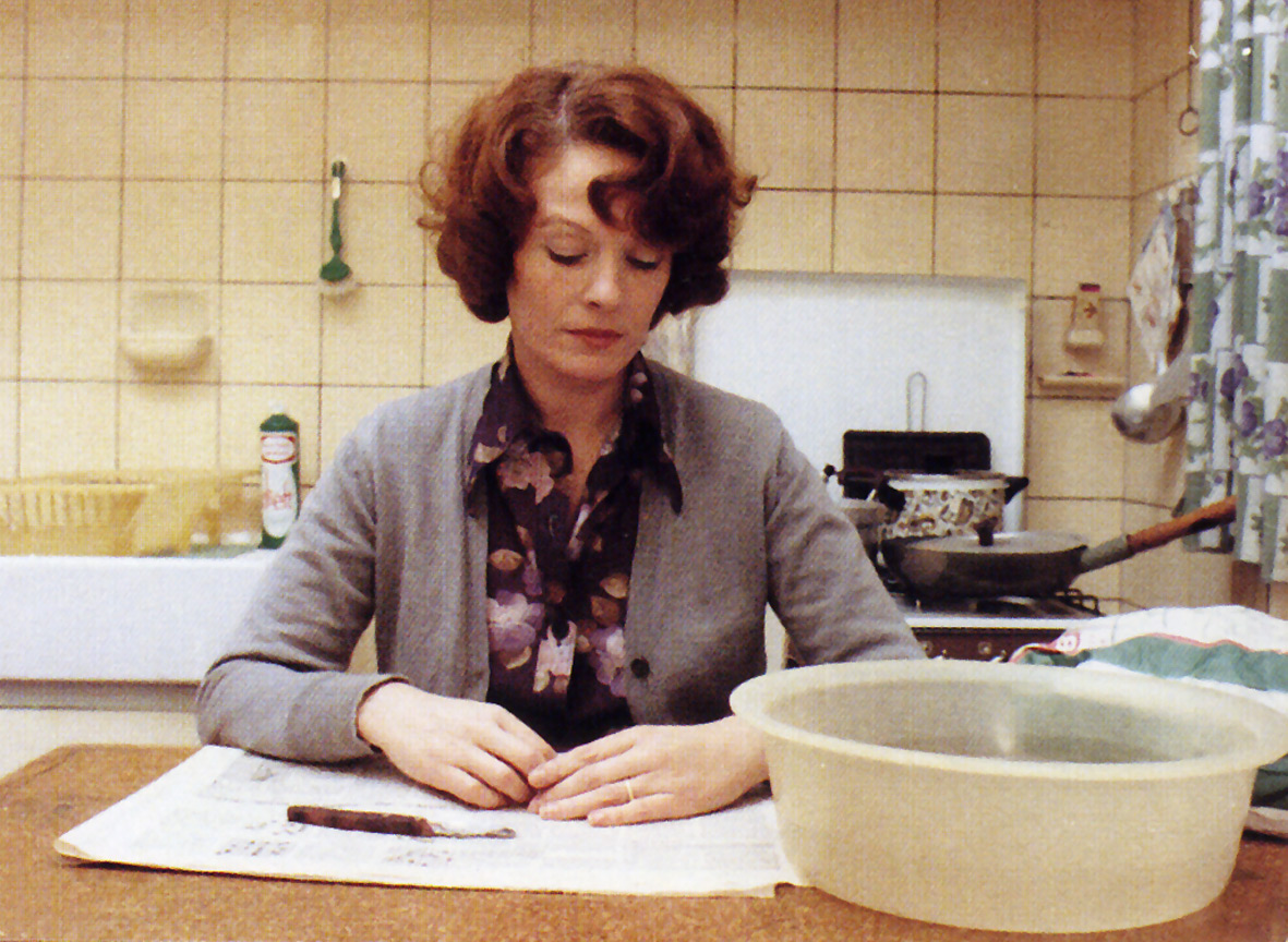 Jeanne Dielman, 23..., 1975
